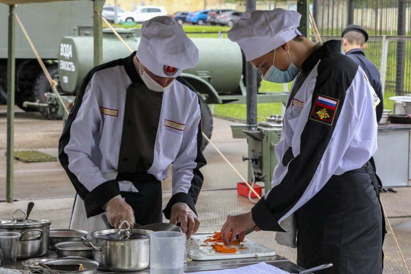 Военные железнодорожники взяли первенство на соревновании «Полевая кухня» в Подмосковье
